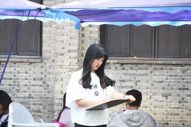 苏州工艺美院学生写生于惠山古镇